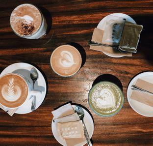 Foto 1 - Makanan di Monolog oleh Della Ayu