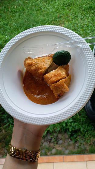 Foto 1 - Makanan di Batagor Riri oleh Viaoctanshao