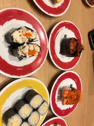 Foto 4 - Makanan di Genki Sushi oleh hrlypuputwp