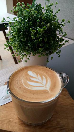 Foto 3 - Makanan(Cafe Latte) di Atlast Kahve & Kitchen oleh Komentator Isenk
