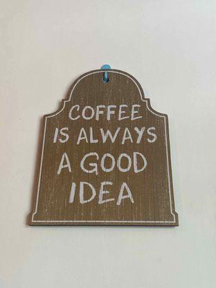Foto 18 - Interior di Bruins Coffee oleh Levina JV (IG : @levina_eat & @levinajv)