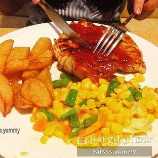 Foto 2 - Makanan(Grill Chicken) di Abuba Steak oleh Yummy Eats