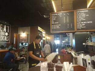 Foto 8 - Interior di Djournal Coffee oleh Joshua Michael