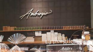 Foto 1 - Interior di Ambrogio Patisserie oleh Audry Arifin @makanbarengodri