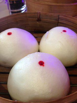 Foto 8 - Makanan(Pao Ayam Chasiew) di Wang Fu Dimsum oleh awakmutukangmakan