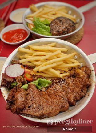 Foto 1 - Makanan di The Real Holysteak oleh Nana (IG: @foodlover_gallery)