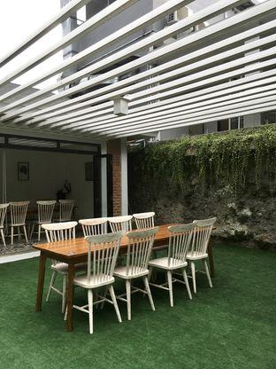 Foto 12 - Interior di de'CLAN Resto & Cafe oleh Prido ZH