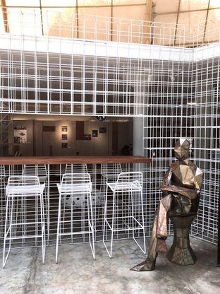 Foto 6 - Interior di Artwork Coffee Space oleh Prido ZH