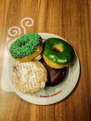 Foto - Makanan(Donat) di Dunkin' Donuts oleh Adhy Musaad