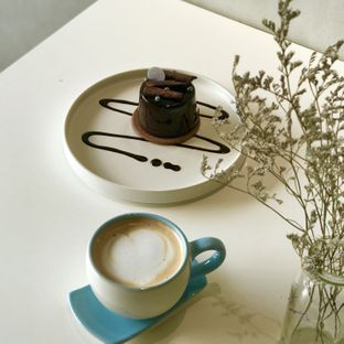 Foto 1 - Makanan(Cappuccino) di Vallee Neuf Patisserie oleh @stelmaris