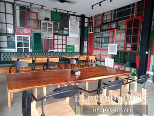 Foto 9 - Interior di District Dago Cafe & Resto oleh Iin Puspasari
