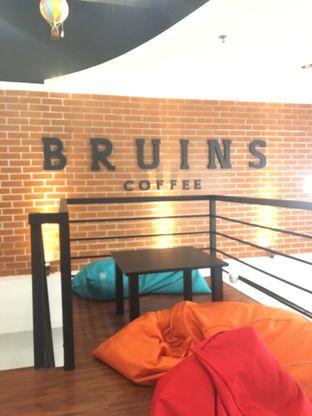 Foto 6 - Interior di Bruins Coffee oleh Bread and Butter