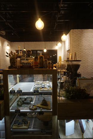 Foto 11 - Interior di Kaffeine Kline oleh yudistira ishak abrar