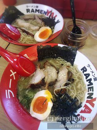 Foto - Makanan di RamenYA oleh Hungry Mommy
