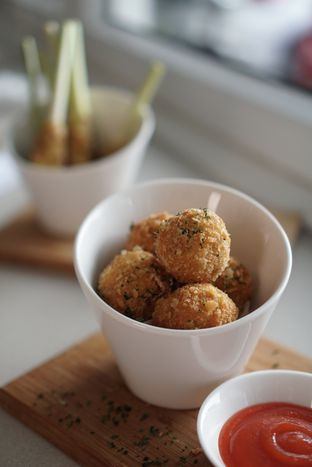 Foto 3 - Makanan di Oiio Bistro oleh @Sibungbung