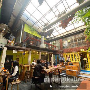 Foto 3 - Interior di Giyanti Coffee Roastery oleh Francine Alexandra