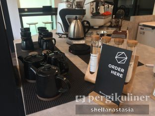 Foto 6 - Interior di Simetri Coffee Roasters oleh Shella Anastasia