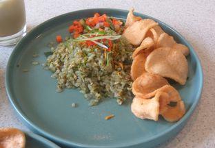 Foto 9 - Makanan(Shirataki Rice Cabe Ijo (IDR 70k)) di Twin House oleh Renodaneswara @caesarinodswr