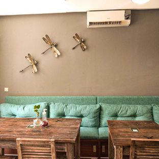 Foto 11 - Interior di PLUIE Cafe & Resto oleh duocicip