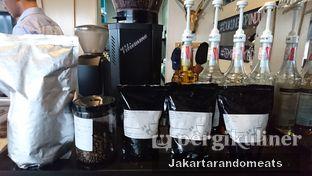 Foto 19 - Interior di Widstik Coffee oleh Jakartarandomeats