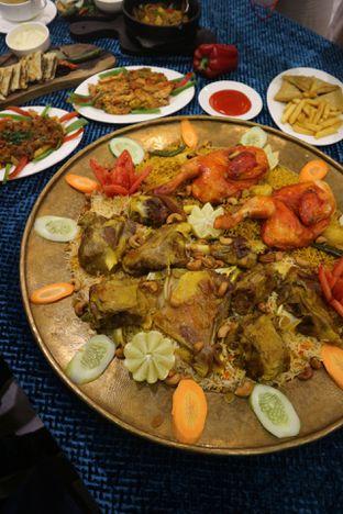Foto 9 - Makanan(Lamb Chicken Madghout) di Awtar By Hadramawt Palace oleh Levina JV (IG : levina_eat )