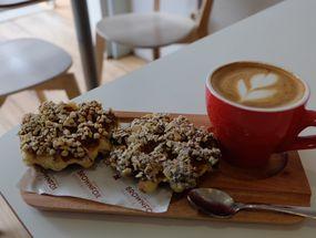 Foto BROWNFOX Waffle & Coffee