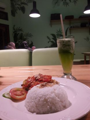Foto review Warlaman oleh Isnani Nasriani 2