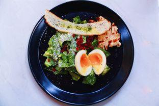 Foto 2 - Makanan(Market Vegetable Salad) di Cups Coffee & Kitchen oleh Novita Purnamasari