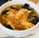 Foto wonton soup di Madame Chang