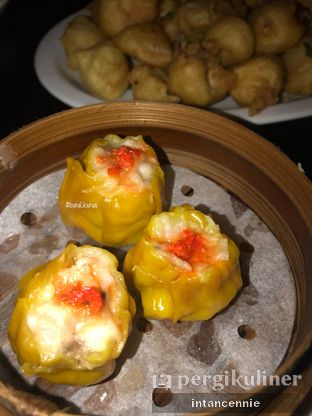 Foto 4 - Makanan di Pantjoran Tea House oleh bataLKurus