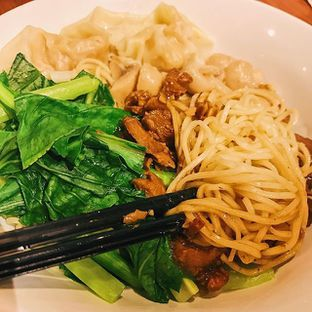Foto 1 - Makanan di Bakmi Toko Tiga oleh IG : @hungrydith