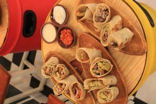 Foto 24 - Makanan di Emado's Shawarma oleh Prido ZH