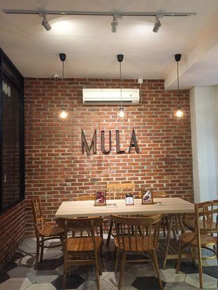 Foto 2 - Interior di Mula Coffee House oleh Nauval