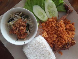 Foto - Makanan di Ayam Kremes Bu Tjondro oleh @stelmaris