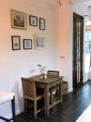 Foto 10 - Interior di PLUIE Cafe & Resto oleh yudistira ishak abrar