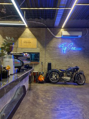 Foto review TipSea Coffee & Eatery oleh Mouthgasm.jkt  8