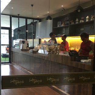 Foto 13 - Interior di Sister Grounds Coffee & Eatery oleh Lydia Adisuwignjo