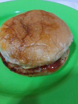 Foto review Burger Bangor oleh catgoesmiawyaw  3