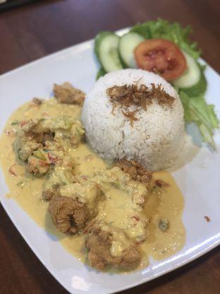 Foto 1 - Makanan di Bakmi Bintang Gading oleh Vionna & Tommy