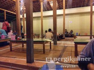 Foto 3 - Interior di Warung Penyet Cak Cholil oleh Slimybelly