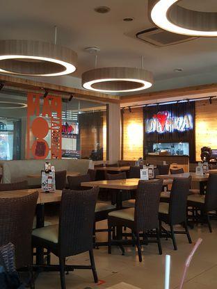 Foto 10 - Interior di Pizza Hut oleh Stallone Tjia (@Stallonation)