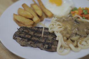 Foto review T Steak & Noodle oleh Edward Kurnia 1