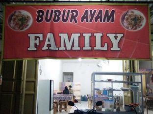 Foto 1 - Eksterior di Bubur Ayam Family oleh Meri @kamuskenyang