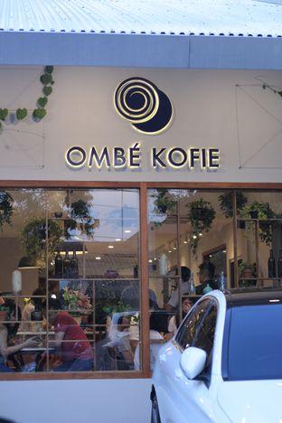 Foto 3 - Interior di Ombe Kofie oleh thehandsofcuisine