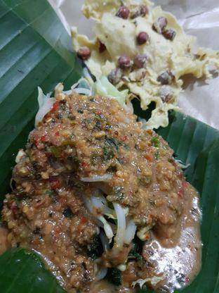 Foto 1 - Makanan di Pecel Pincuk Ibu Ida oleh Olivia @foodsid