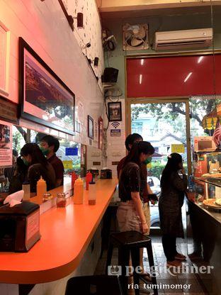Foto 4 - Interior di Pizza Place oleh riamrt