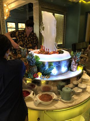 Foto 1 - Interior di The Cafe - Hotel Mulia oleh Freddy Wijaya