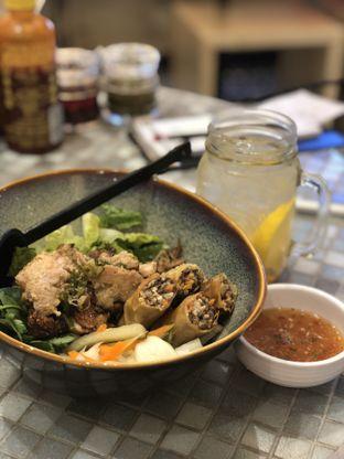 Foto 1 - Makanan di So Pho oleh YSfoodspottings