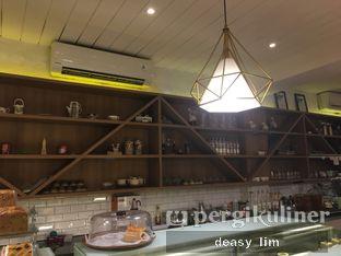 Foto 18 - Interior di Papa & Mama Bistro and Coffee oleh Deasy Lim