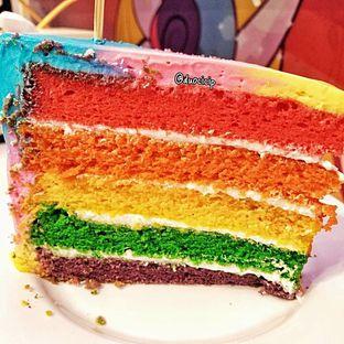 Foto 2 - Makanan(Miss Unicorn Rainbow Cake) di Miss Unicorn oleh duocicip